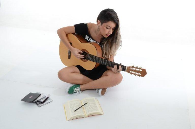 como-tocar-guitarra-México