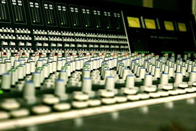 consola-de-masterizacion-cursos-de-musica